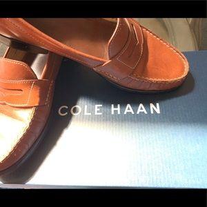 Cole Haan Original Penny Loafers. Tan 7 1/2